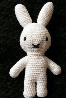 http://translate.googleusercontent.com/translate_c?depth=1&hl=es&rurl=translate.google.es&sl=auto&tl=es&u=http://de-fil-en-aiguille.blogspot.com.es/2009/02/my-miffy-bunny.html&usg=ALkJrhj_pN022CzSDdc11uepKZOW8VdgFw