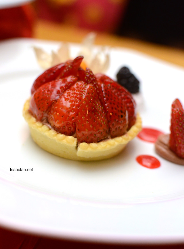 Nuttela Tartlet with Strawberry