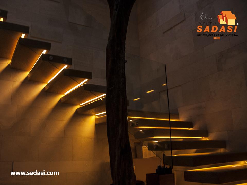 Sadasi corporativo haga lucir las escaleras de su hogar - Iluminacion escaleras ...
