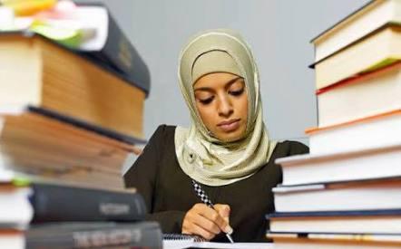 Hukum Wanita Bekerja Tanpa Izin Suami