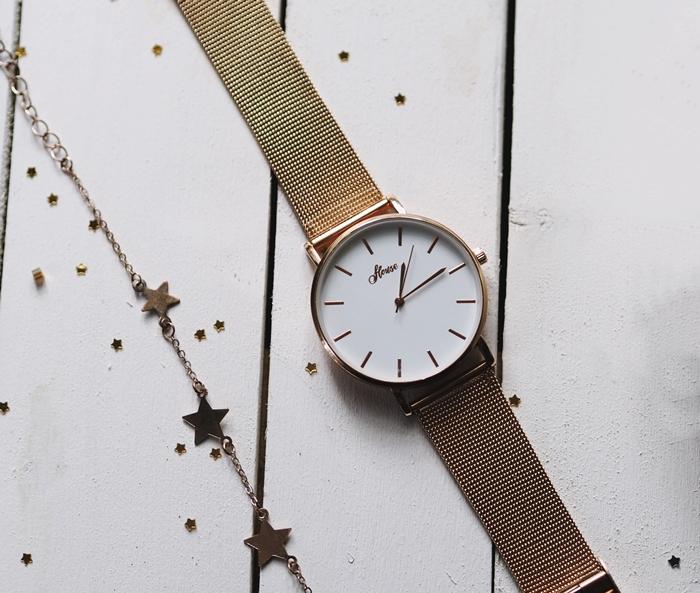 złoty zegarek, bransoletka w gwiazdki