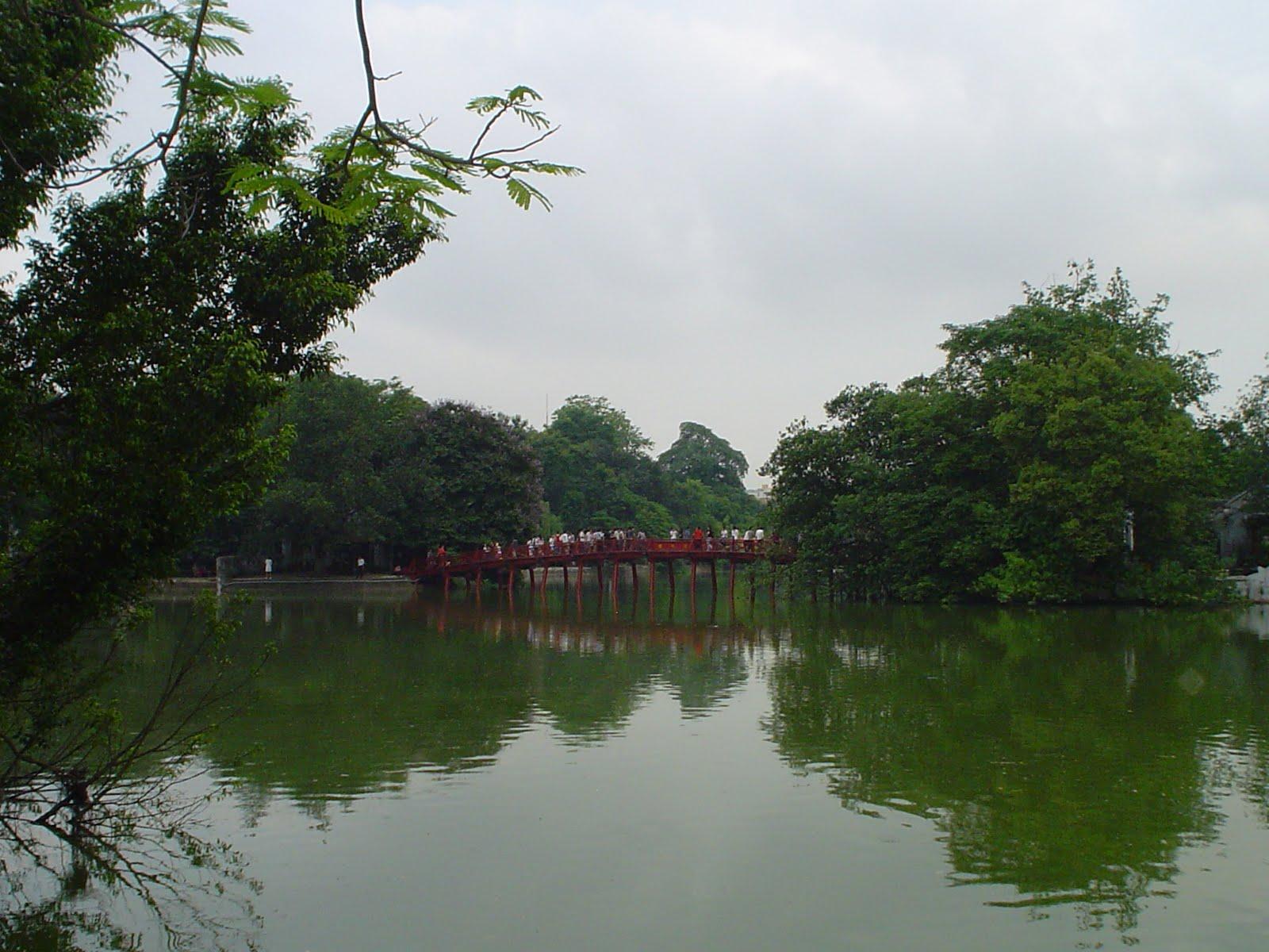 Han i ponte vermelha fotos huc bridge vietn for Lago tartarughe
