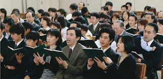 congregation singing
