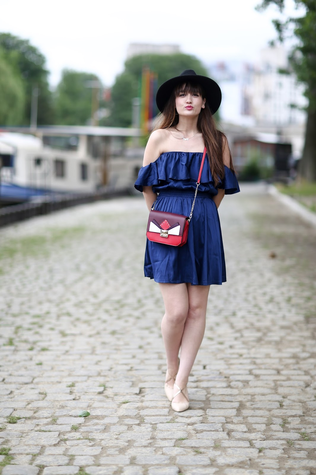 meetmeinparee, chic, style, look, blogger, parisian style, off the shoulder dress
