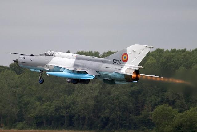 ROMANIAN MIG-21 LANCER CRASHES