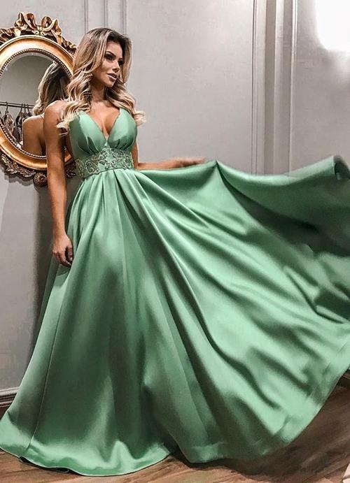 vestido  verde claro estilo princesa