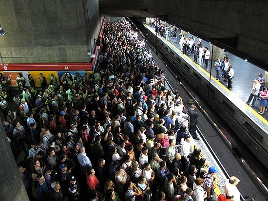 A espera do trem - 4 10