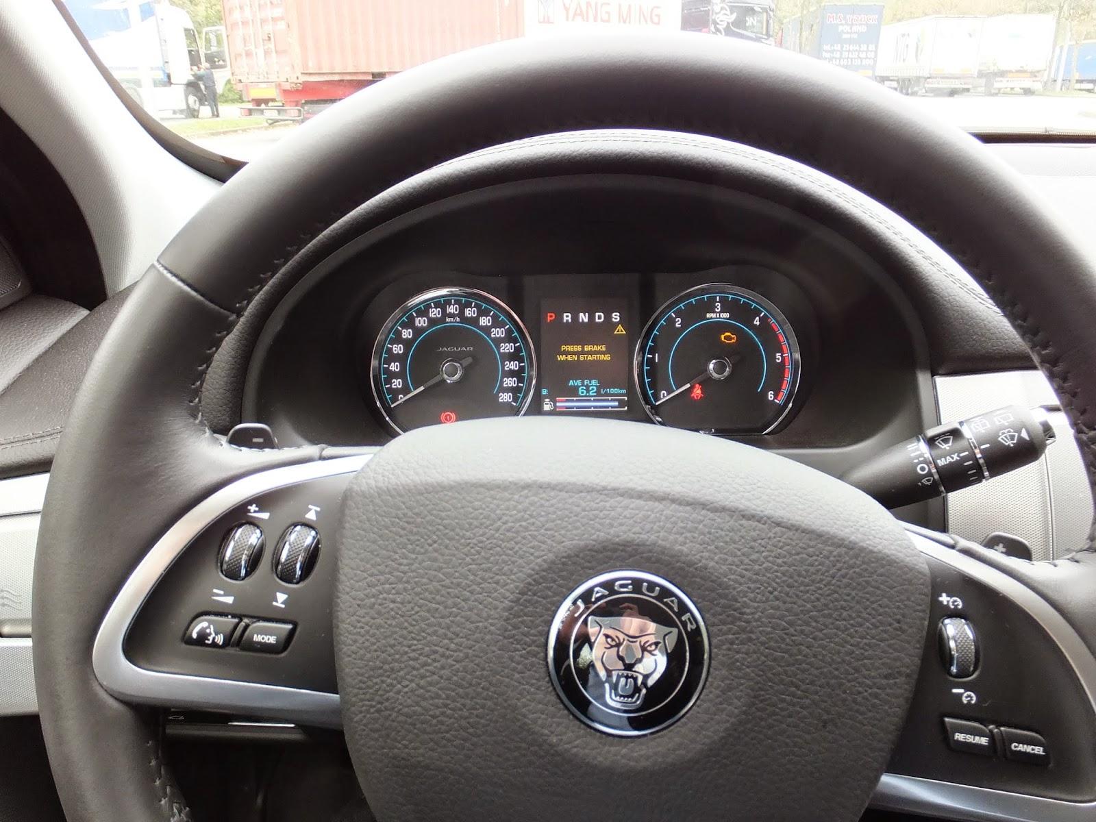 jaguar-xf-sportbrake-driver's seat