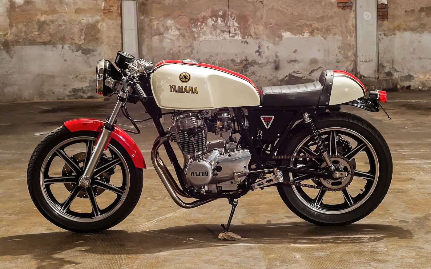 1978 yamaha xs400 cafe racer - grease n gas