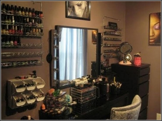 Luxurious-Black-Vanity-Table-with-Large-Mirror-and-Storage 20 Unbelievable Make-up Self-importance Desk Concepts Interior