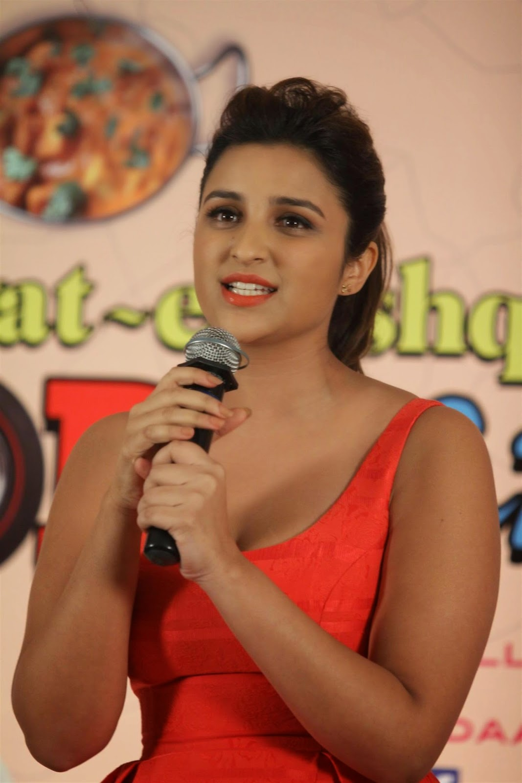 High Quality Bollywood Celebrity Pictures Parineeti -8909