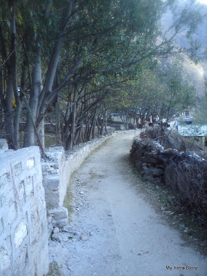 Narrow walks through the Mana Village in the Himalayas