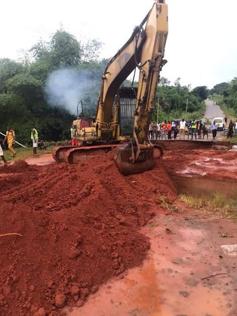 Photos: Anambra Govt commence work on Awka road damaged due to heavy downpour