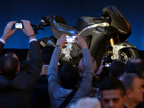 Honda RC213V versi jalanan dibanderol 2,1 milyar