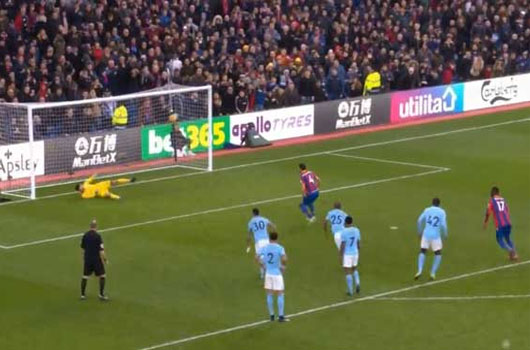 Video Crystal Palace - Man City: Penalty muộn & 9 phút bù giờ thót tim 3