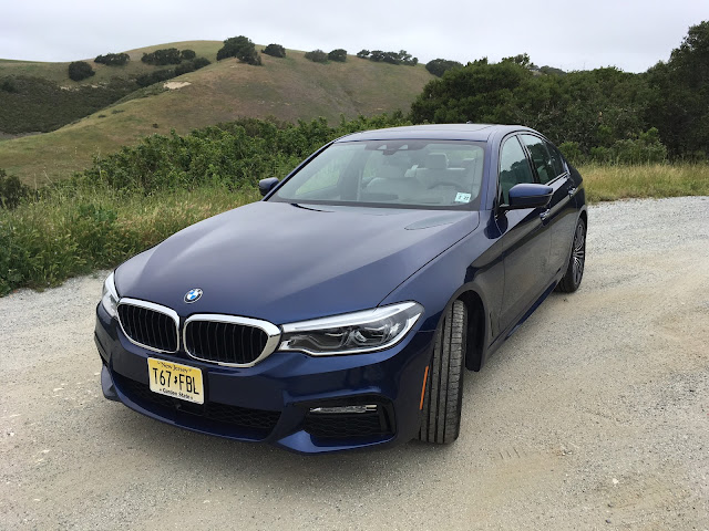 Front 3/4 view of 2017 BMW 540i