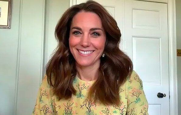 Kate Middleton wore Raey Bracelet sleeve acid tree print silk dress. Yellow floral print dress comes from British brand Raey
