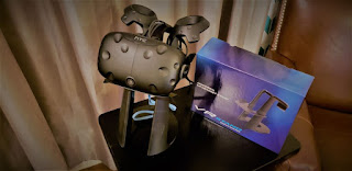 Dinly VR Headset Stand