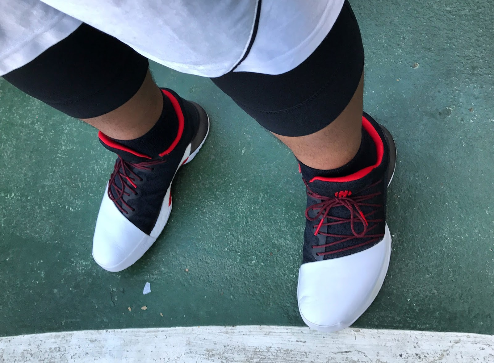 I love the  90s feel merged with the latest technology that the Harden Vol.  1 brings. The shoe offers superb cushioning 300b590eefd9