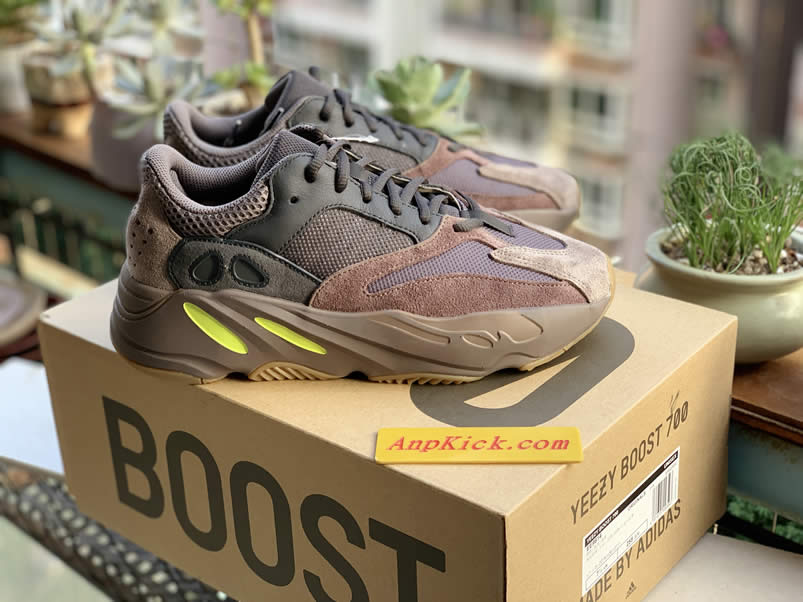 4257318922e349 Yeezy Boost 700  Mauve  Wave Runner Real Images Outfit EE9614 - www.anpkick .com