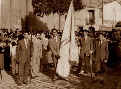 Socios del Casal Catòlic de Sant Andreu en 1950