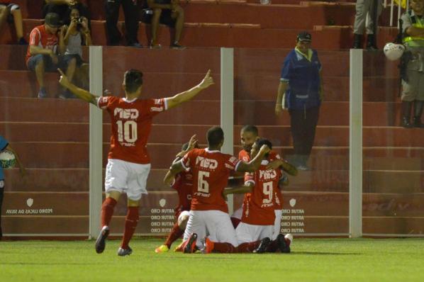 Vila Nova vence Brasil-RS, e coloca fim em série negativa jogando em Goiânia