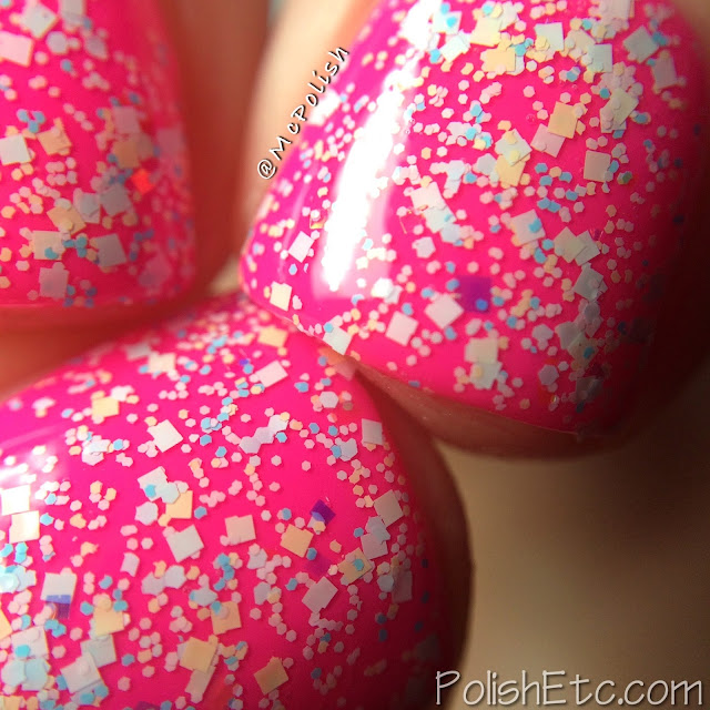 Digital Nails - Definitely Not Cute - McPolish - Glitter in my Pockets - MACRO