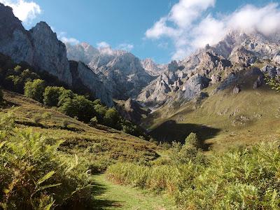 pejzaż górski, góry, chtoniczne i uraniczne bóstwa, natura, religie