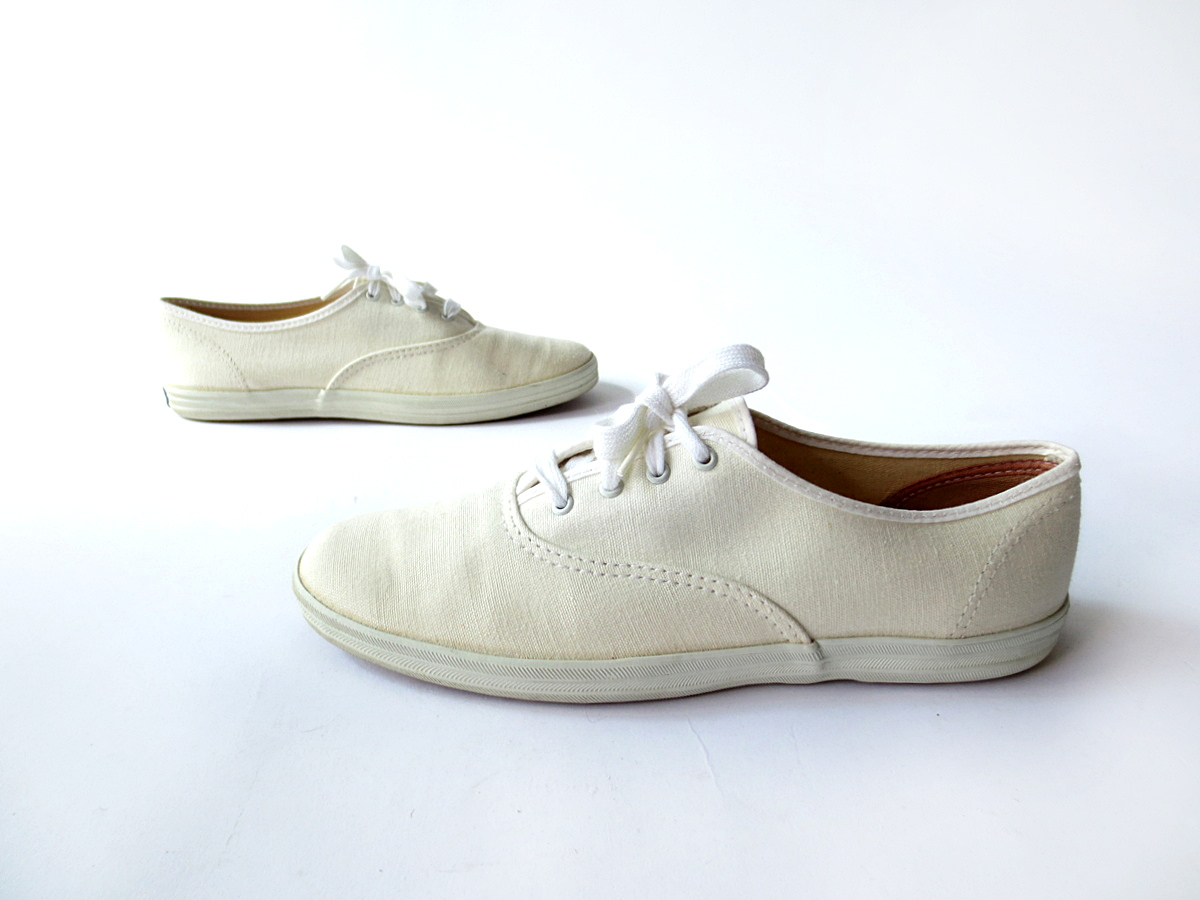 Small Earth Vintage Shop Accessories Preview Clogs Keds