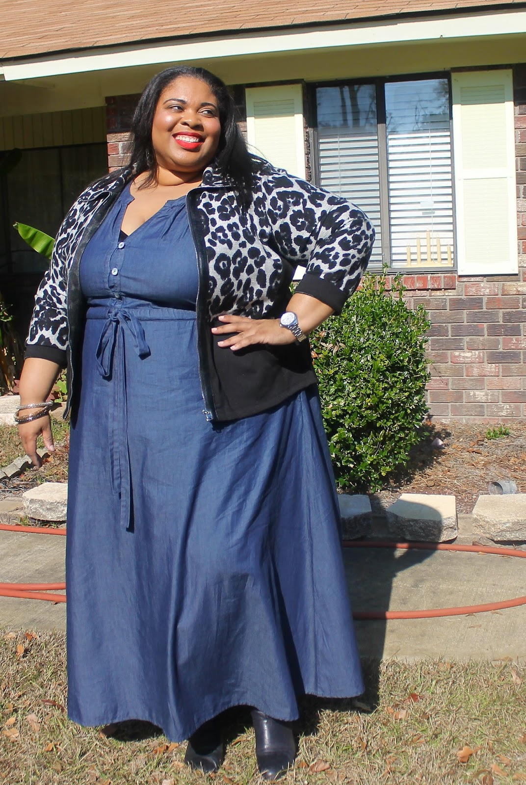 Eshakti, dress customization, customized clothing, plus size clothing, denim dresses, denim plus size dresses
