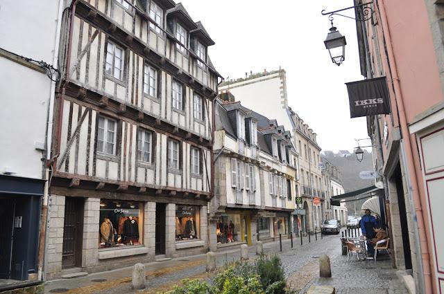 Ruas medievais de Quimper - Finistère - Bretanha - França