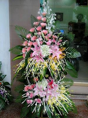 Cách cắm hoa cưới trong nhà sang trọng và lịch sự