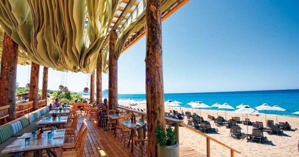 Costa Navarino  Tο Hotel για celebrities και η «Tοσκάνη» της Λακωνίας -