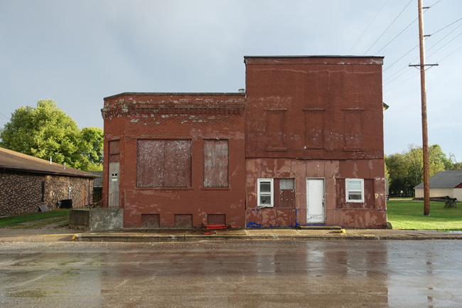 Abandoned Building in Grand Junction Iowa