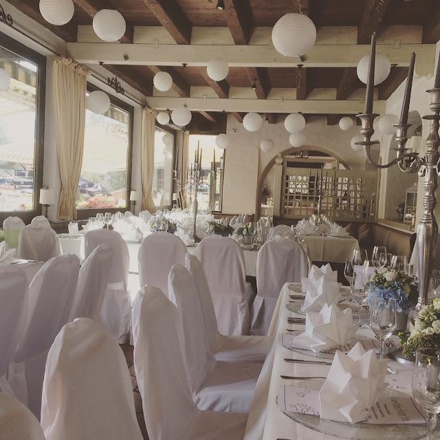 Wasserfarben-Hochzeit am See, Graugrün, Mint, Aqua, Blau, Grün, Riessersee Hotel Garmisch-Partenkirchen, Bayern, Lake side summer wedding Aqua, Green, Blue, grey colour scheme