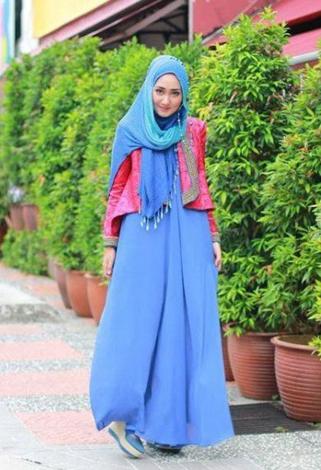 Model Gamis Brokat Dian Pelangi Lebaran Katalog Busana Muslim Wanita