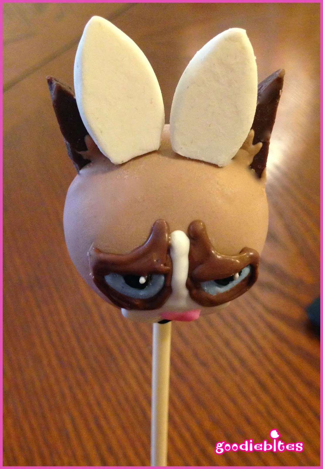 How To Make Grumpy Cat Cake Pops