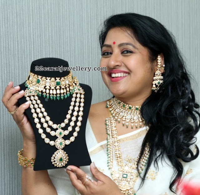 Sana Showcasing Kundan Jewelry