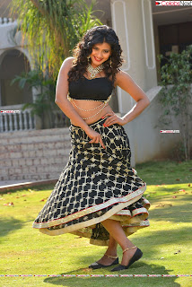Hebah Patel in Spicy Black Choli and Ghagra HD Pics  032.jpg
