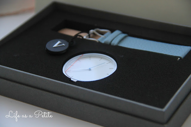 fifth-watches-pale-blue-minimalistic-natsu-review