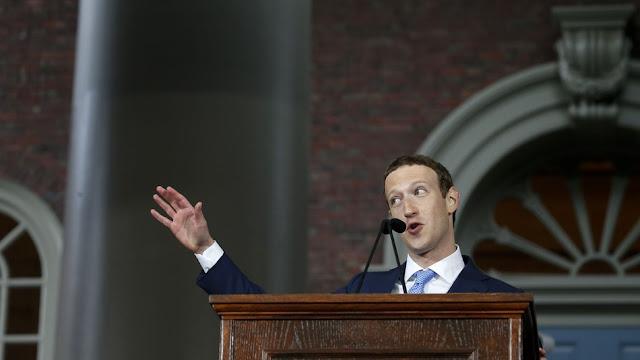 O CEO do Facebook, Mark Zuckerberg e sua esposa, Priscilla Chan, contrataram Joel Benenson