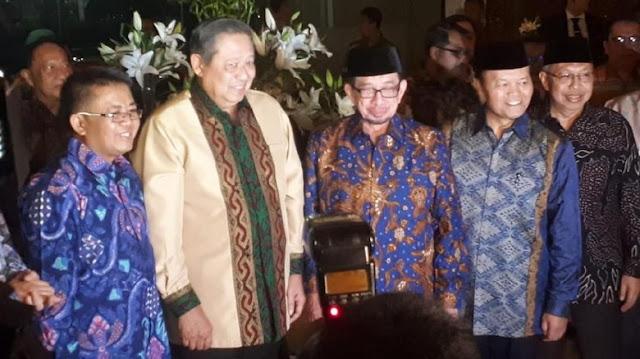 Bertemu SBY, Petinggi PKS Berbatik Warna Khas Demokrat