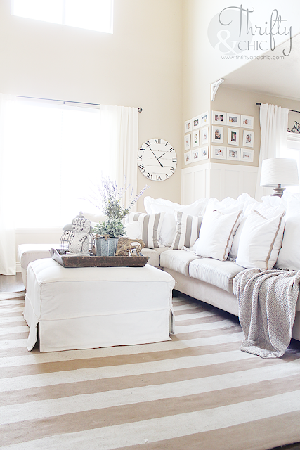 Summer decor and decorating ideas for living room. Cottage farmhouse decor. White and neutral living room. Two story great room or living room ideas.