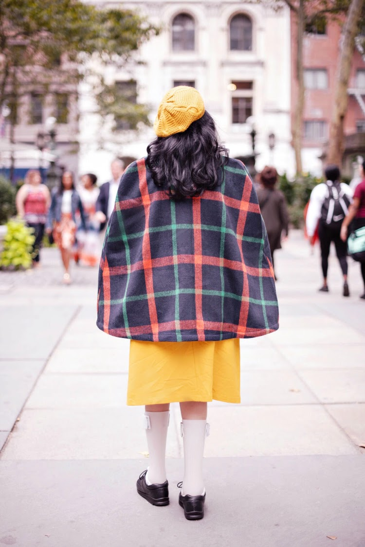 A Vintage Nerd Modcloth Fall Vintage Inspired Fashion Plaid Cape Vintage Blog 1960s Style Mustard Beret Disability and Fashion Leg Braces Body Confidence Curvy Con Body Inspiration Vintage Inspired Fashion
