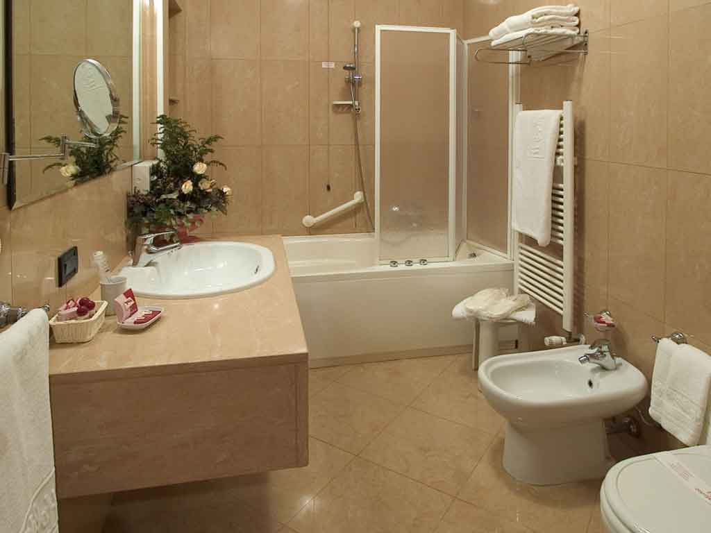 Beautiful Small Bathroom Colors And Designs Small Bathroom Color Schemes Ideas Home Decorating Ideas Images