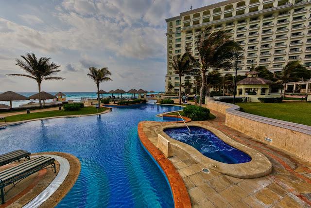 swimming pool construction companies dubai