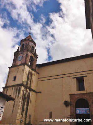 Clock a the Compañia Church in Pátzcuaro