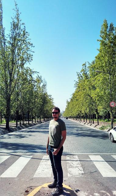 Avenida del Libertador, no Parque General San Martín, em Mendoza.