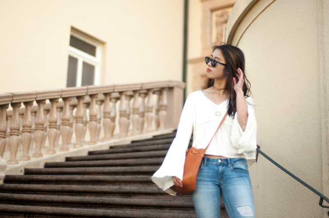 san francisco fashion blogger wearing minkpink bell sleeved top soko choker necklace