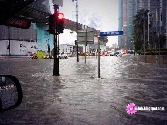 Hujan Lebat Dan Banjir Kilat - Jalan Ampang